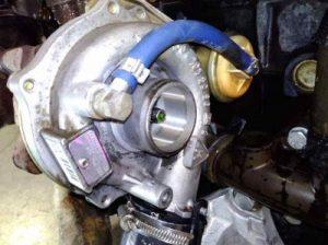 Detalle motor diesel usado de desguace