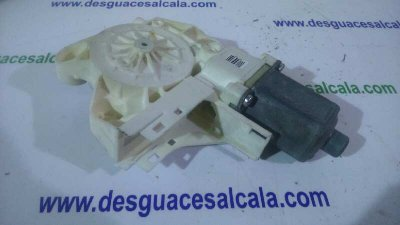MOTOR ELEVALUNAS DELANTERO DERECHO de FORD FOCUS BERLINA (CAP) 1.6 TDCi CAT | 0.04 - ...