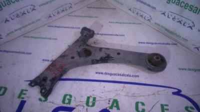 BRAZO SUSPENSION INFERIOR DELANTERO IZQUIERDO de TOYOTA COROLLA (E12) 1.4 D-4D Luna Compact   |   05.04 - 12.07