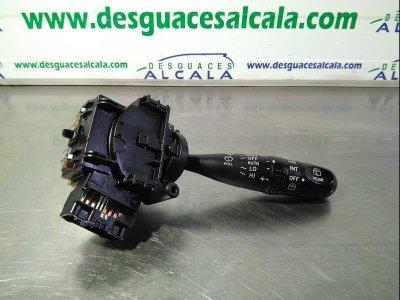 MANDO LIMPIA de TOYOTA COROLLA (E12) 2.0 D-4D Sol Sedán   |   10.01 - ...