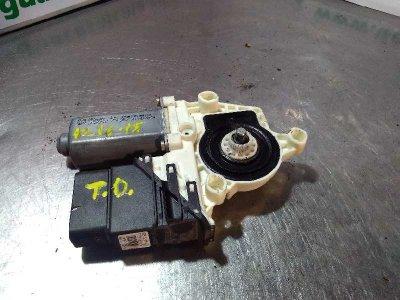 MOTOR ELEVALUNAS TRASERO DERECHO de SEAT LEON (1M1) Signo   |   11.99 - 12.04